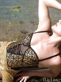Queen of Heels Gina visit the Beach of Canary Island