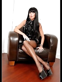 A sexy latex mistress