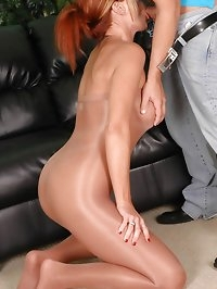 Lusty looker in pantyhose sucking cock