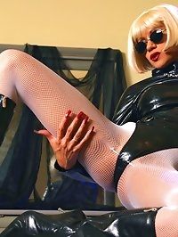 Sexy leggy MILF LilyWOW in latex and fishnet pantyhose