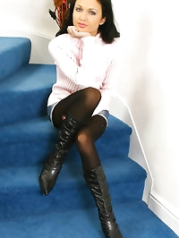 Roxanne looking beautiful in a cute pink jumper, denim..