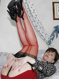 Mama rocks her fabulous red stockings