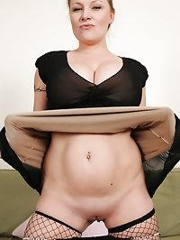 Horny blonde MILF Alyza Blue posing in great black fishnet..