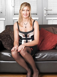 Hot MILF Yasmin from AllOver30 spreads her 34 year old..