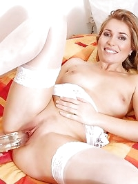 Uninhibited milf evelina marvellou drills her tight pink..