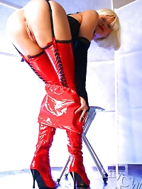 Leggy Milf LilyWOW in red latex stockings