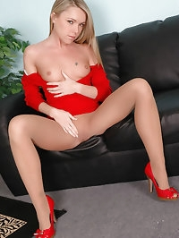 Lady in red stuns in nylons