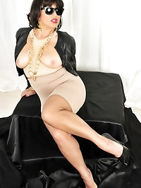 Yummy chick in a skintight jacket