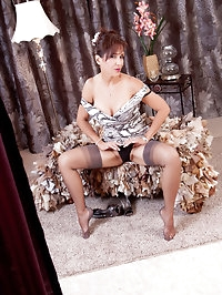 Fantastic brunette mature lady in stockings