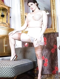 Brianna wows in her vintage girdle, jazzy heels and..