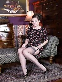 Sophia looking red hot in her RHT nylons, garters and..