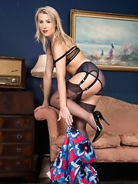 Evey is here putting on her usual fabulously sexy show, in..