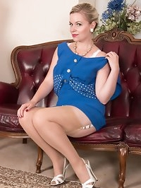 Stripping out of her blue wiggle dress Anna teases with..