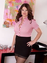 Your New Sexclusive Secretary