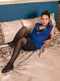 Lusty milf Alishaa Mae is an exotic hottie with a big..