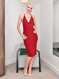 Tall and stunning housewife Lexi Lou is back for more!..