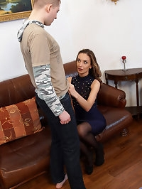 Super slim Russian babe Marel Dew brings her boyfriend in..