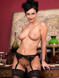 Delectable mom Cassie Clarke is 31 and horny as hell...
