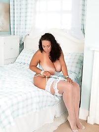 UK milf Anastasia Lux is a big beautiful woman that wants..