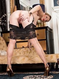 Luscious milf Mrs. Huntington Smythe is ready to show you..