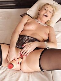 Sexy blonde Eve Valentine looks stunning