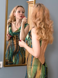 Helen Volga and Foxy Love horny lesbian MILFs