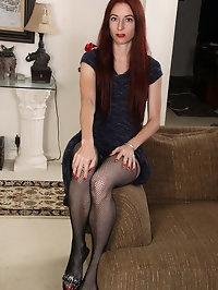 Horny MILF beauty Evane Nordstern
