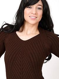 Leggy brunette Tracy Rose