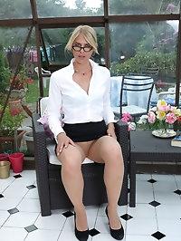 Sexy blonde secretary Jentina Small