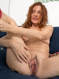 Sexy mature Monica S in stockings
