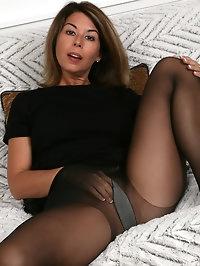 Sexy Niki in Lingerie