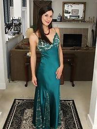 Sultry Miranda Thompson in her lingerie
