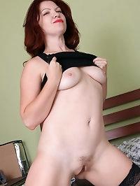 Curvy redhead Kimberlee Cline