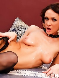 Brunette MILF slut Cynthia gets fucked in the ass