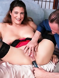 Brunette MILF gets her ass toyed and fucked