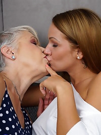 Two naughty housewives play with eachother