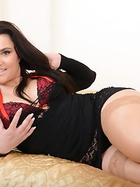 Naughty Mom Bex playing with herself