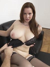 Naughty curvy mom getting it good