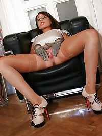 Busty secretary is horny for gloves
