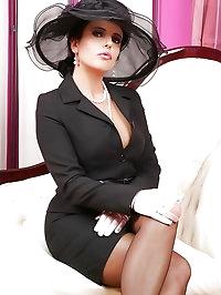 Sophisticated sweetheart wears black wonderfully