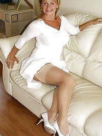 Curvy babe stuns in white