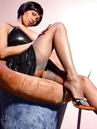 Long sexy MILF legs in vintage grey stockings and high heels