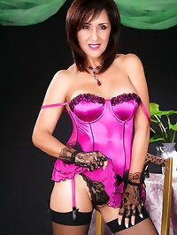 Brunette mom looks awesome in her lingerie
