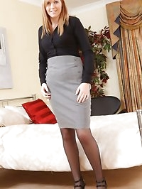 Bubbly blonde shows off her stunning curves as she strips..