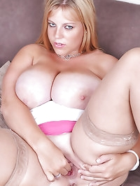 Angel huge boobs play and finger fucking