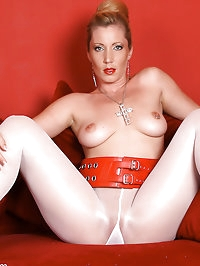 Angel Annabelle pulls down her pantyhose to play with her..