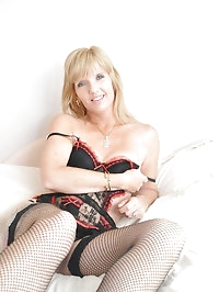 Stunning Jill strips off everything except her black..