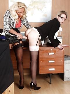 Leggy Stockings Pics