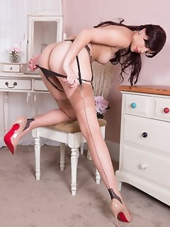 Kinky Stockings Pics