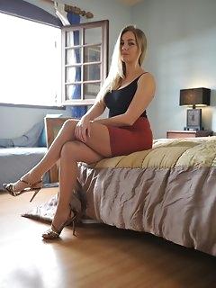 Miniskirt Stockings Pics